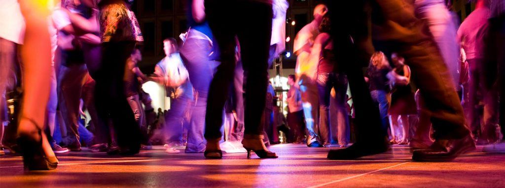 people salsa dancing